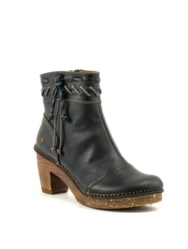 Art 1053 Boot Black