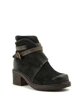 Brusque Barnard Boot Black