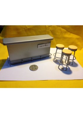 ACE DOLLS HOUSE ACE 1/12 DOLLS HOUSE ACC BAR TOWN SQ SILVER METAL BAR WITH 3 STOOLS