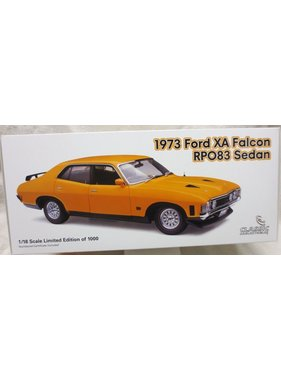 CLASSIC CARLECTABLES CLASSIC CARLECTABLE 1/18 1973 FORD XA FALCON SEDAN RPO83 SEDAN YELLOW FIRE # 103 OF 1000 PCE  DIECAST MODEL
