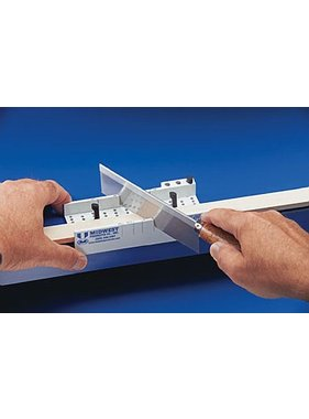 MIDWEST MIDWEST EASY MITER BOX DELUXE COMES WITH HOLDING PEGS AND A SAW 32 TEETH .010 BLADE