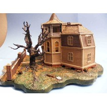 MOEBIUS HO SCALE THE MUNSTERS THE HOUSE AT 1313 MOCKINGBIRD LANE