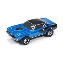 Auto World X-Traction  1971 PLYMOUTH CUDA AVAIL BLUE AND BLACK OR RED AND BLACK ( PRICE FOR 1 CAR )