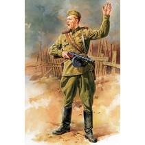 TAMIYA WWII RUSSIAN FIELD COMMANDER 1/16TH