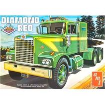 AMT DIAMOND REO TRACTOR  1/25  AMT719/06