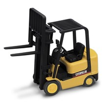CAT GC25K FORK LIFT TRUCK