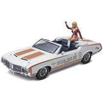 REVELL 72 OLDS INDY PACE CAR WITH FIGURE