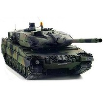 TAMIYA LEOPARD 2A6 R/C TANK KIT WITH FULL OPTION KIT