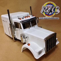 TAMIYA TRACTOR TRUCK 1/14 KING HAULER BODY COMPLETE WITH ALL CHROME PARTS ( EXHAUST & AIRCLEANER & INTERIOR FLOOR PANS GRILL ETC
