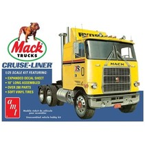 """AMT Mack Cruise liner 1:25 RETRO DELUXE PLASTIC KIT 10"""" LONG 280 PARTS"""