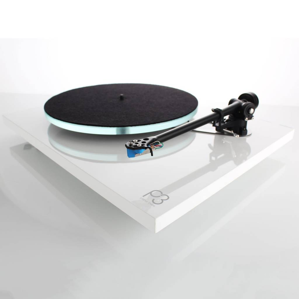 Rega Research Planar 3 with Elys 2