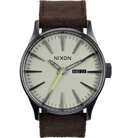 Nixon Nixon Sentry Leather Watch Gunmetal / Brown