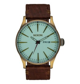 Nixon Nixon Sentry Leather Watch Brass / Green Crystal / Brown Surfing