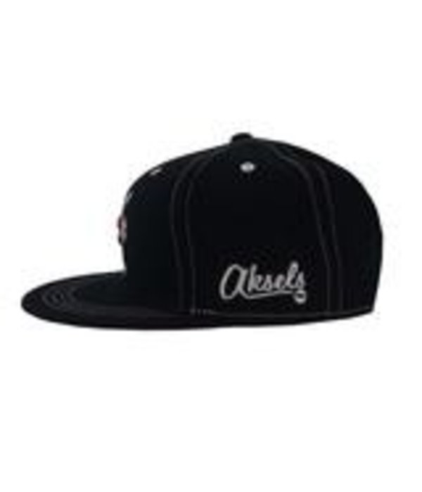 AKSELS ARROWS ALL BLACK FABRIC HAT