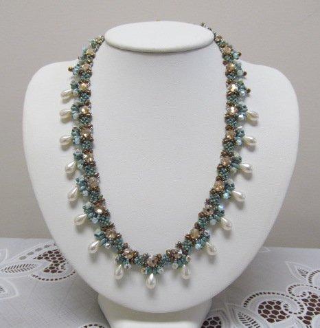 1/14 2-5p Omora Necklace