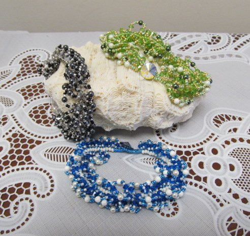 5/14 6-9p Twist Of Sparkle Bracelet