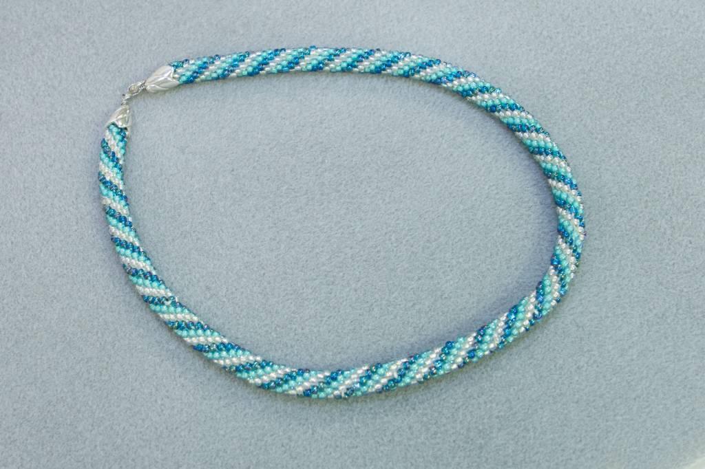 8/16 10a-1p Bead Crochet Necklace