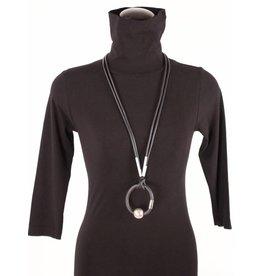 Geo's necklace & brac in one