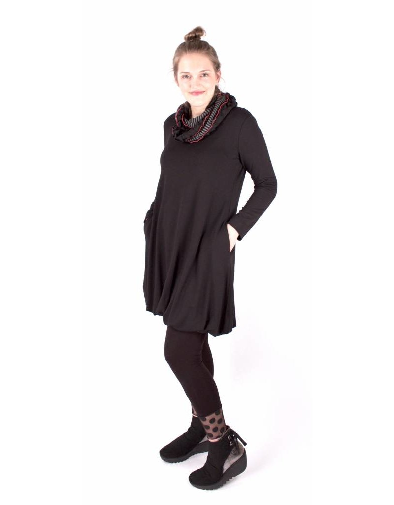 Lousje & Bean Rome Dress in Black