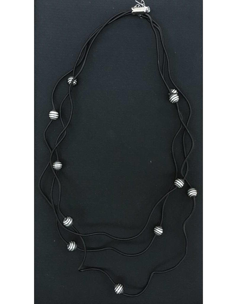Sandrine Giraud Sandrine Giraud- Small Black WirePearl Necklace