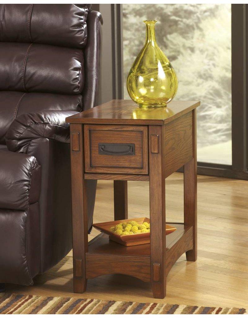 Signature Design Breegin, Chairside End Table, Brown T007-319