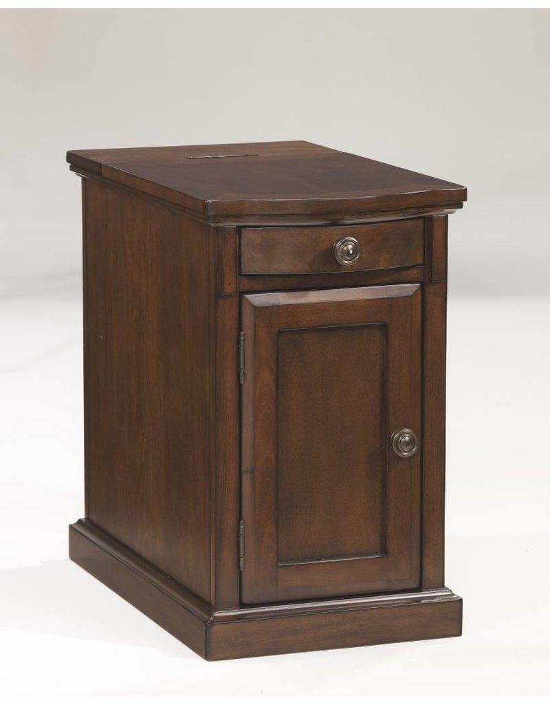 Signature Design Laflorn, Chairside End Table, Medium Brown T127-565