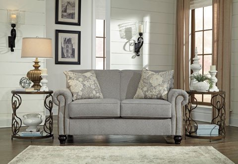 Signature Design Avelynne Loveseat