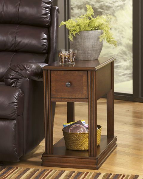 Signature Design Breegin Chair Side End Table - Brown T007-527