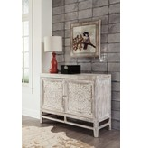 Signature Design Fossil Ridge, Door Accent Cabinet Light Brown A4000038