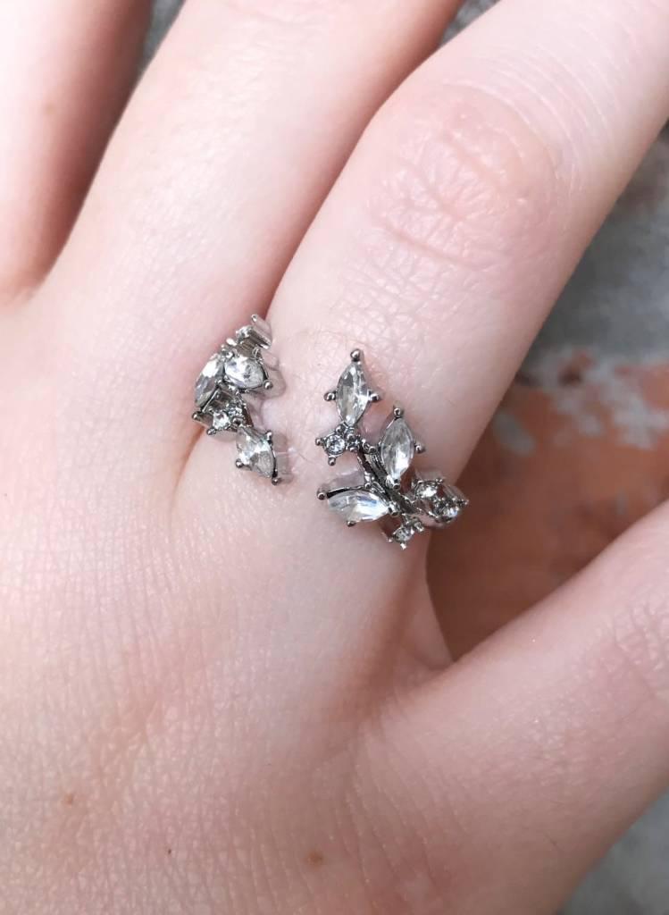 Devon Leaf Crystal Ring
