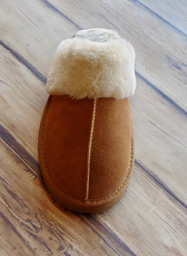 "MINNETONKA MOCCASINS ""Chesney"" Slipper"