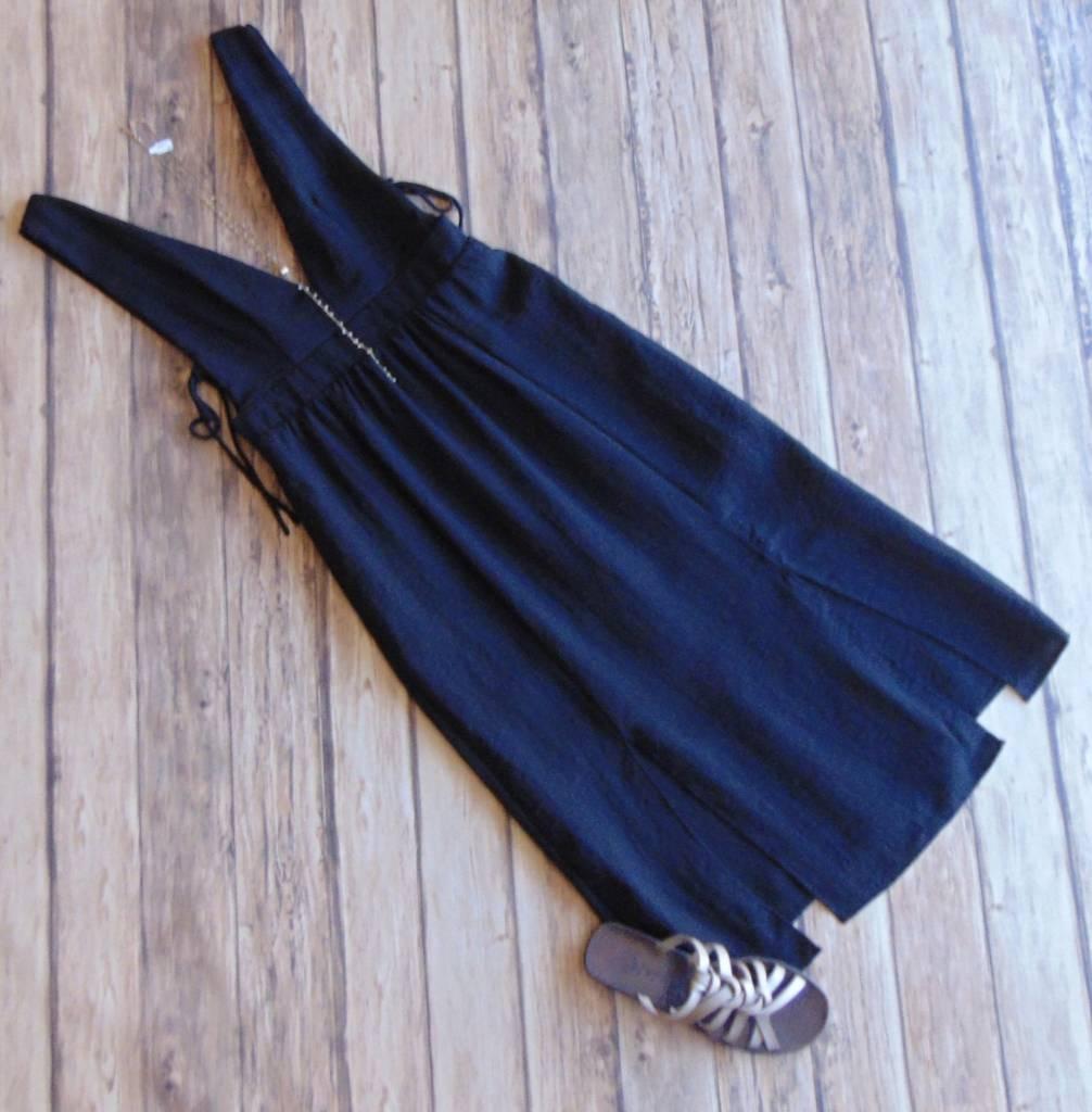 Slit To My Lou Midi Dress