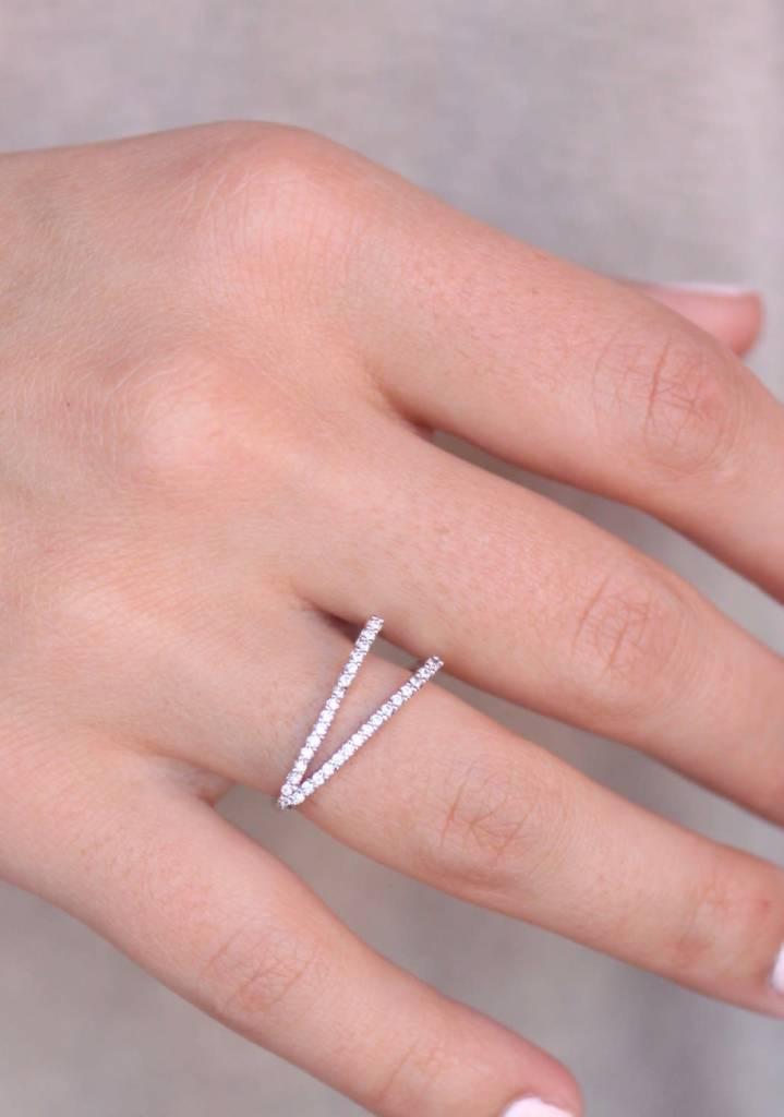 Sparkle V Ring