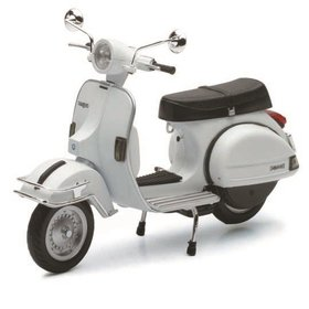 Lifestyle Toy, 1978 Vespa P200E 1:12 White
