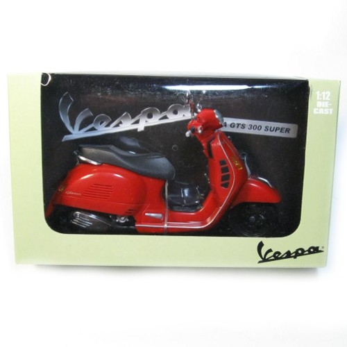 Lifestyle Toy, Vespa GTS300 1:12 Scale Red