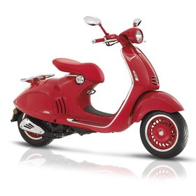 Vehicles Vespa 946 RED Collectors Edition is SOLD OUT