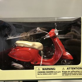 Lifestyle Toy, Vespa Primavera 1:12 Scale Red