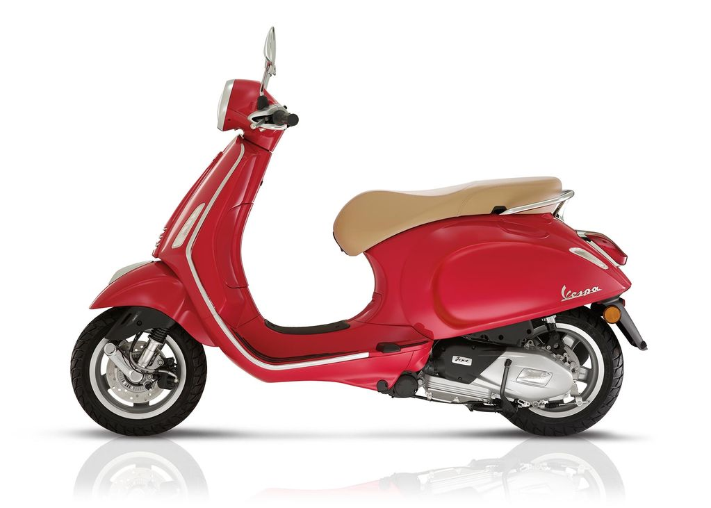 Vehicles 2018 Vespa Primavera 150 Red