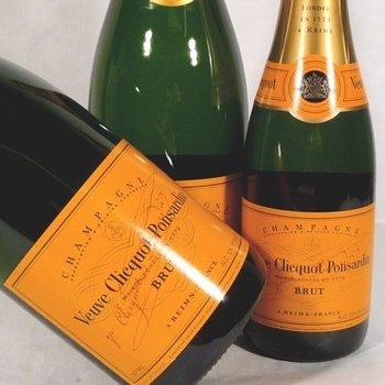 Veuve Clicqout Veuve Clicquot Brut Yellow Non-Vintage Champagne<br />Champagne, France<br />WS 90 pts