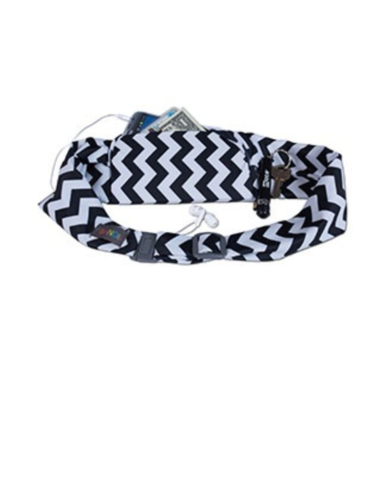 Bandi Belt Passport Pocket In Black & White Chevron
