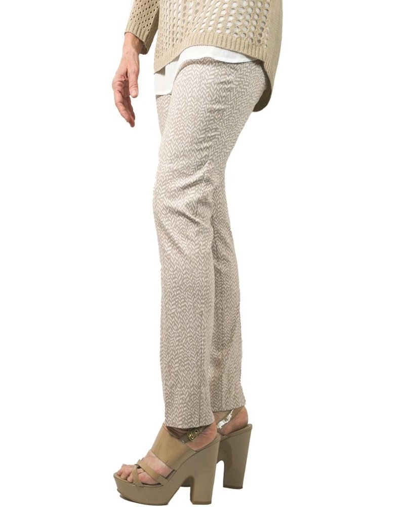 The Ankle Cigarette Magic Pant In Sand Print