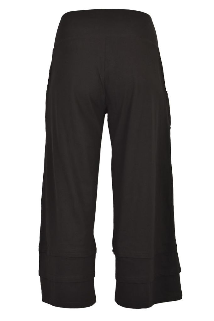 The Rue Cropped Pants In Black