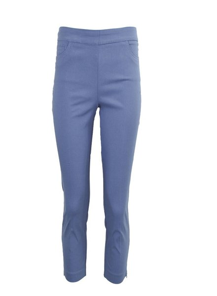 Magic Capri Pant In Blue Berry