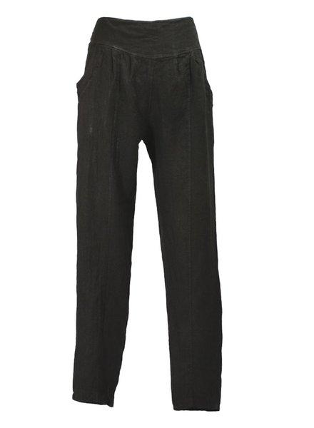 Ella Moda's Pencil Trousers In Black