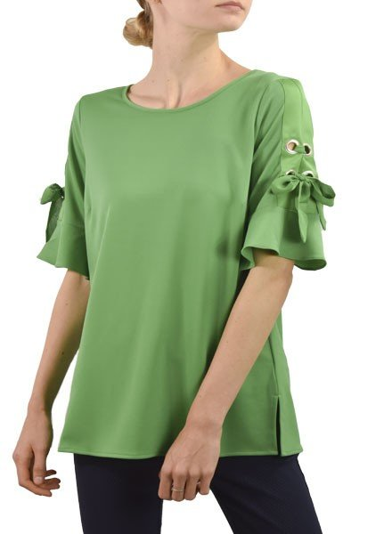 Renuar Renuar's Gromet Top In Kelly Green