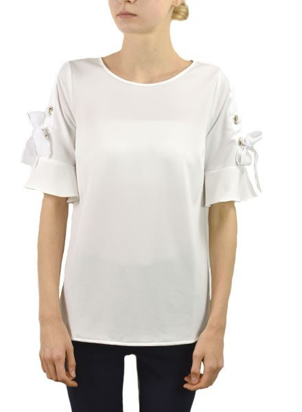 Renuar's Gromet Top In White