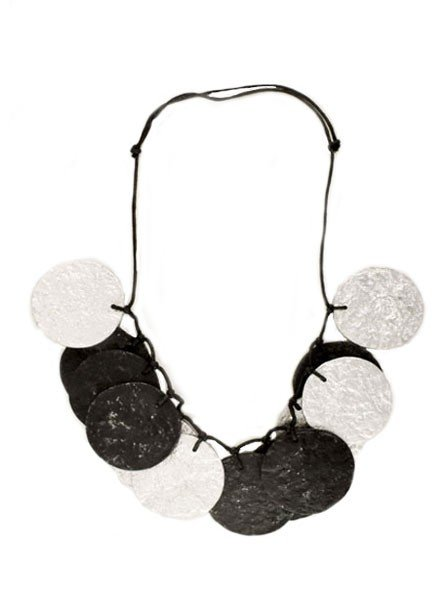 Touch Of Style Circle Art Necklace In Silver & Black