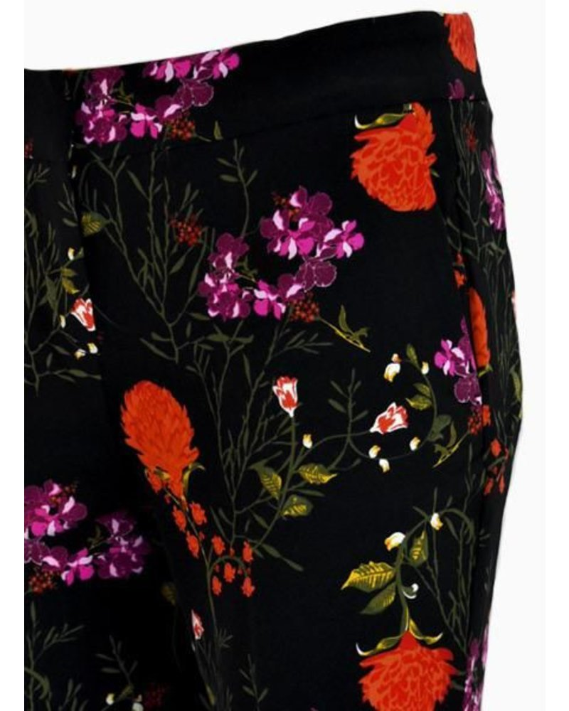 Renuar Renuar's Scarlet Floral Cigarette Pant