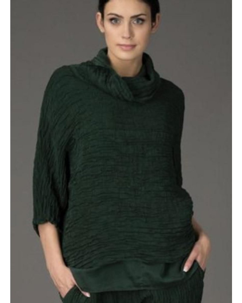 Griza's Crinkled Silk Top In Pine Green