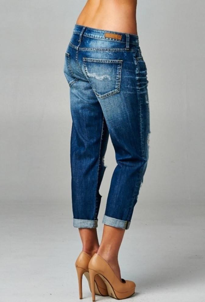 Cropped Relaxed Boyfriend Jeans - Casual 2 Dressy